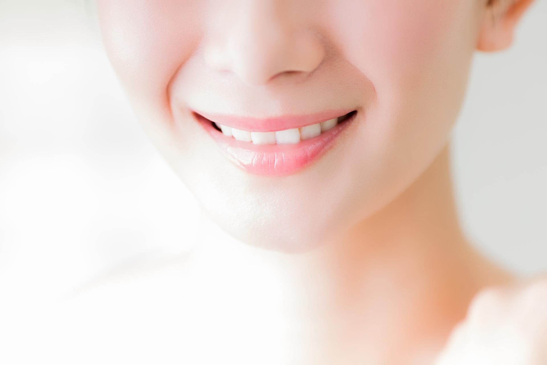 きれいな歯並びの女性