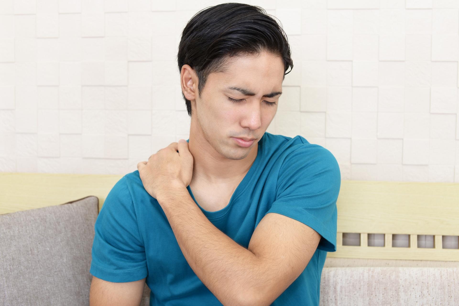 慢性的な肩こりや頭痛はありますか?
