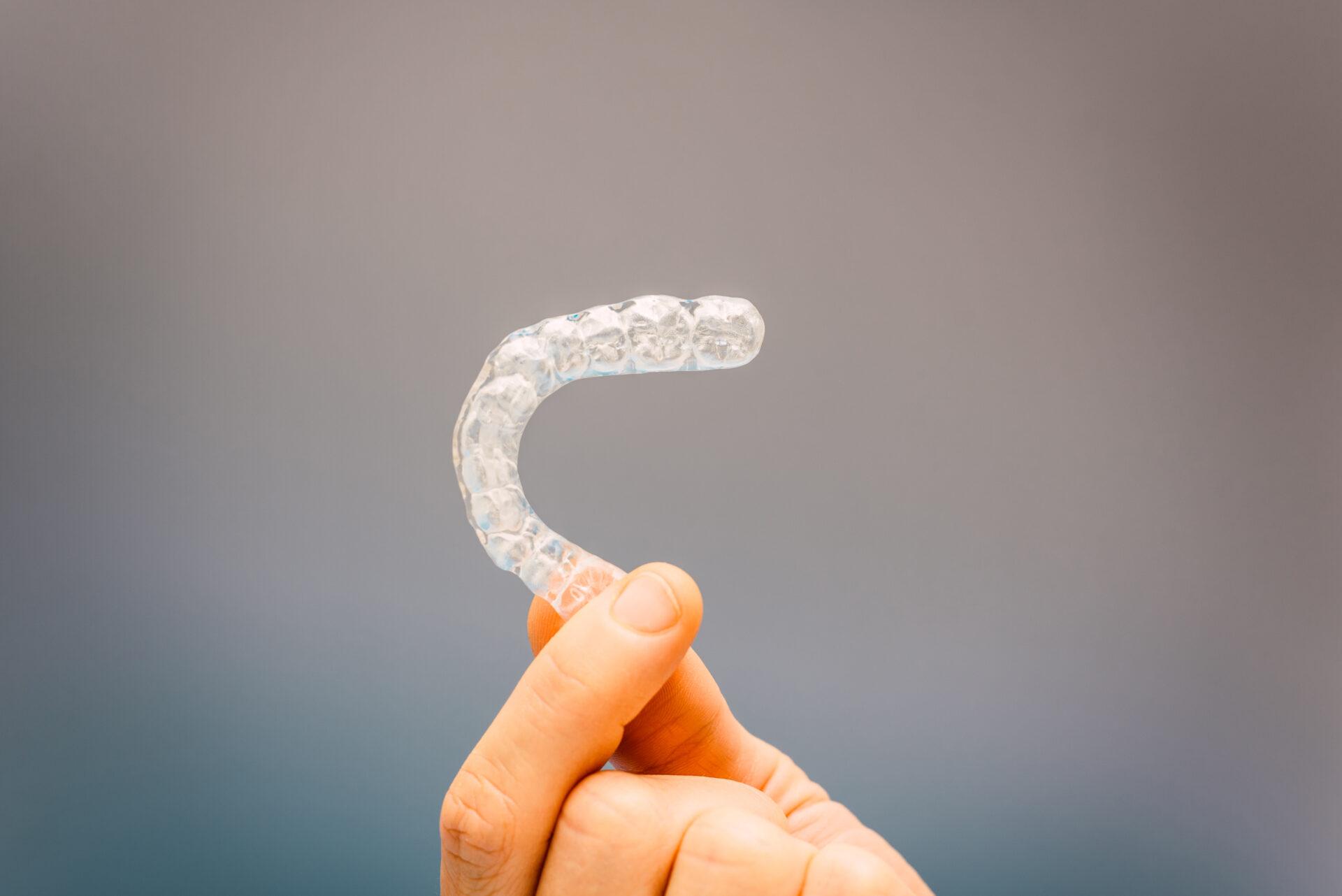 ナイトガードで歯ぎしりからインプラントを守れます